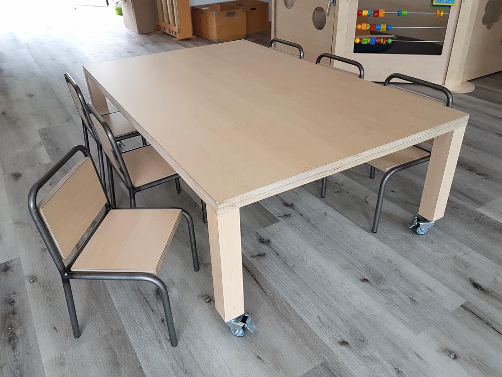 Kinderstoel Om Aan Tafel Te Hangen.2kick Meubelfabriek Kantoor En Teamruimtes