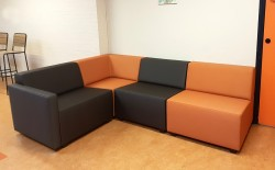 2KICK Flex Zitelementen Rood OranjeBruin Hoekbank Opstelling met Armleuningen