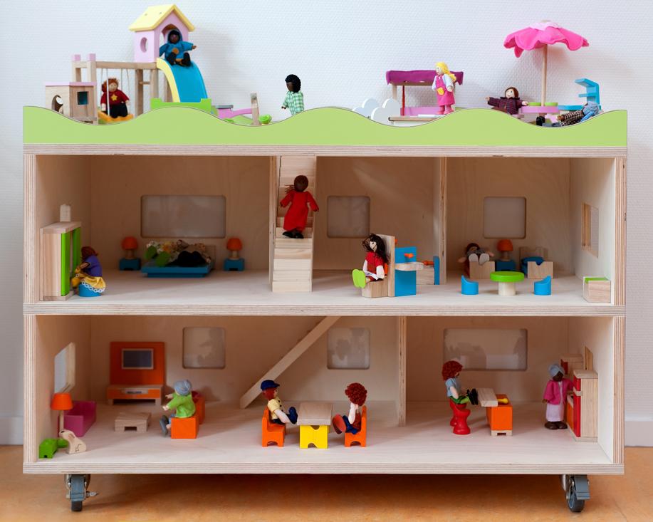 2kick meubelfabriek inrichting peuterspeelzalen vve for Groot poppenhuis
