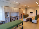 2KICK Multifunctionele Materiaalkast PSG BSO Treinbank met Tafel Timmertafel Tafelkleed