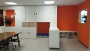 2KICK Kastenwand op maat oranje met bureaudeel 1