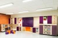 Multifunctioneel-klaslokaal-wand-paars
